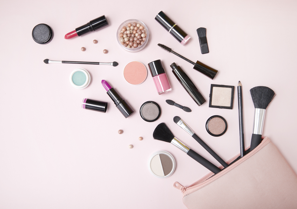 Makeup Essentials To Always Travel With
