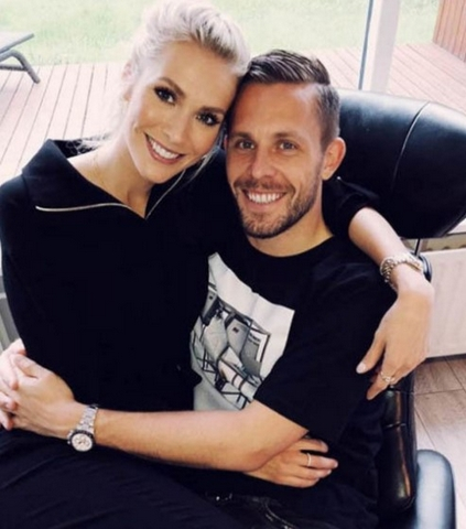 Das Everton Ass, Das Mit Alexandra Ivarsdottir Den Bund Fürs Leben Geschlossen Hat